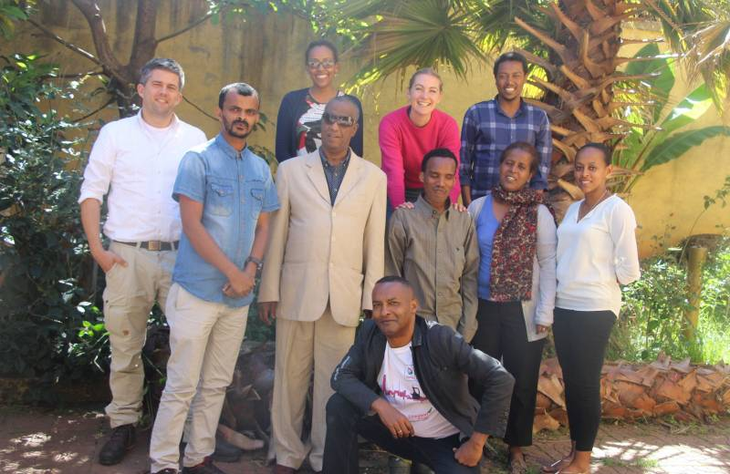 Nora Gohlke mit dem Team von TOGETHER