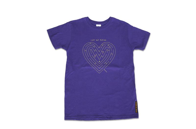 lila T-Shirt mit fühlbarere Stickerei, Motiv Herz